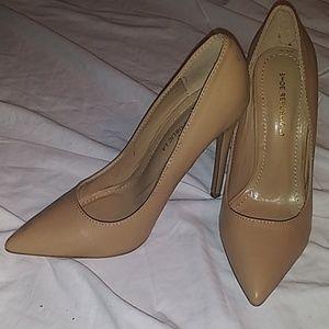 Shoe Republic LA Shoes - Tan pumps
